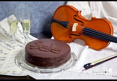 JUEGO DE SABORES : TARTA SACHER Bavarian Recipes, Bavarian Food, Sacher, Relleno, Cake, Desserts, Blog, Chocolates, German