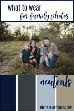Family Photos-What to Wear and Tips for Success - The Frugal Foot Doc What to wear for family photos and family pictures. Neutral color palette to inspire your family photo outfits for fall family photos or christmas card photos. Fall Family Picture Outfits, Family Portrait Outfits, Family Picture Colors, Family Photos What To Wear, Winter Family Photos, Fall Family Portraits, Large Family Photos, Family Christmas Pictures, Family Picture Poses
