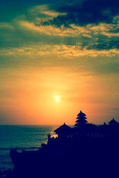 Sunset at the Tanah Lot Temple in Bali, Indonesia