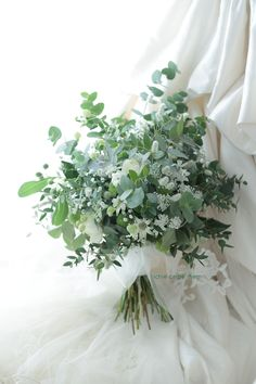 20 Stunning Greenery Wedding Bouquet Ideas we are Loving. 20 Stunning Greenery Wedding Bouquet Ideas we are Loving. 20 Stunning Greenery Wedding Bouquet Ideas we are Loving. White Wedding Flowers, Bridal Flowers, Flower Bouquet Wedding, Green Wedding, Floral Wedding, Greenery For Wedding, Babysbreath Bouquet, White Flowers, Bouquet Box