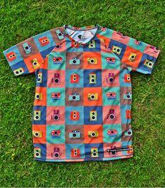 #ColorCameras Men - Hoopoe running apparel. #hoopoerunning #fancyshirts #runwithstyle