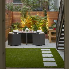 Cool Chic Small Courtyard Garden Design Ideas For You. garden design layout Chic Small Courtyard Garden Design Ideas For You Modern Backyard, Courtyard Gardens Design, Small Backyard, Small Garden Design, Outdoor Decor, Patio Design, Small Space Gardening