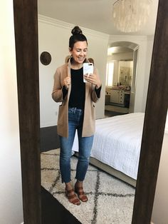 9 Ways to Style Straight-Leg Jeans Jean Outfits, Fall Outfits, Summer Outfits, Casual Church Outfits, Summer Fashions, Fasion, Fashion Outfits, Fashion Ideas, Womens Fashion