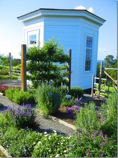 """""""Garden2Blog 2012"""" Event – Day 2 Part 2 – P. Allen Smith's Home Garden is Green and Sustainable"""