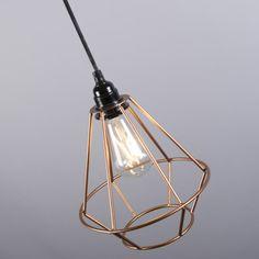 Für jeden die passenden Beleuchtung. Hier online bestellen! Light Bulb, Ceiling Lights, Lighting, Pendant, Home Decor, Copper, Crystal Lamps, Pendant Chandelier, Dining Table