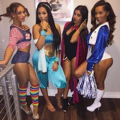 Aaleeyah Petty sur Instagram : Whole squad of diamond tings PiPi Long Stockings, Princess Jasmine, Vampire, Dallas Cowboys Cheerleader #halloween2k15