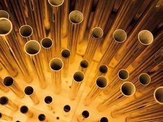 Tubos do órgão do Grande Salão do Musikverein da Sociedade de Amigos da Música de Viena. Em Viena, Áustria.