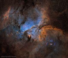 provocative-planet-pics-please.tumblr.com NGC 6188 und NGC 6164 Bildcredit und Bildrechte: Martin Pugh und Rick Stevenson Beschreibung: In der riesigen Sternbildungsregion NGC 6188 lauern fantastische Formen in Wolken aus leuchtendem Gas. Der Emissionsnebel liegt etwa 4000 Lichtjahre entfernt am Rand einer riesigen Molekülwolke im südlichen Sternbild Altar die in sichtbaren Wellenlängen des Lichts unsichtbar ist. Massereiche junge Sterne der eingebetteten Ara-OB1-Assoziation entstanden vor…