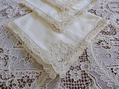 "ANTIQUE HANDMADE POINT DE VENISE NEEDLELACE 144"" BANQUET TABLECLOTH 12 NAPKINS"
