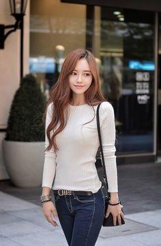 Asian Fashion, Girl Fashion, Womens Fashion, Korean Beauty, Asian Beauty, Good Looking Women, Korean Model, Beautiful Asian Women, Asian Woman