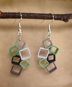 """""""Squares waterfall"""" earrings made using quilling technique Quilling Studs, Paper Quilling Earrings, Origami And Quilling, Quilling Paper Craft, Quilling Comb, Neli Quilling, Paper Crafting, Paper Jewelry, Paper Beads"""