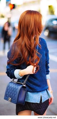 Wunderschönes rotes Haar. I love it
