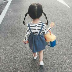 Cute Korean baby Kwon Juli i Cute Korean b Fashion Kids, Baby Girl Fashion, Toddler Fashion, Cute Baby Boy, Cute Little Baby, Cute Kids, Baby Kids, Cute Asian Babies, Korean Babies