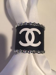 Chanel Birthday Party, Chanel Party, Birthday Parties, Chanel Room, Chanel Decor, Chanel Bedding, Mode Chanel, Paris Party, Chanel Fashion
