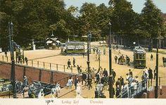 Utrecht 1914: Het Ledig Erf. Tram links rijdt richting Tolsteegsingel. Tram rechts rijdt naar de Gansstraat (AGrolman)