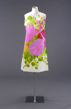psychedelic shift dress by French fashion house Tiktiner, 1968-1969.