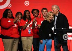 Here's To Never Forgetting How Cute Joe & Jill Biden Are Alex Wong, Twitter Bio, Obama And Biden, Jill Biden, Presidential Inauguration, Kissing Him, Michelle Obama, Barack Obama, Cute Couples