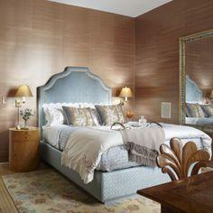 i love the rose gold wallpaper!