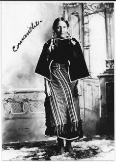 Comanche Woman the beautifully woven clothing. that doesn't look like stone age culture to me. Native American Cherokee, Native American Pictures, Native American Women, Native American History, Native American Indians, Native Americans, Comanche Indians, Comanche Tribe, Native Indian