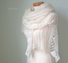 Beautiful lace crochet shawl pattern.   YOU MUST BE ABLE TO READ A CROCHET CHART!!! The rows or not written, only in chart.    Very elegant. This is a great addition to every wardrobe.   Perfectly wea