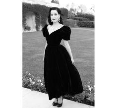 dita von teese 2014 | Dita Von Teese en robe Ulyana Sergeenko, escarpins Giuseppe Zanotti et ...