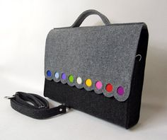 This is a designed and made by me medium size felt bag. It is decorated by colorfull dots. Looks really nice :) Im sure you are going to like it!