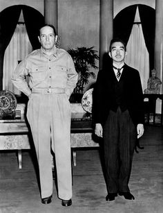 [Photo] Douglas MacArthur with Emperor Showa, Tokyo, Japan, 27 Sep photo 2 of 2 Douglas Macarthur, Nagasaki, Hiroshima, Nagoya, Osaka, Yokohama, Sapporo, Rare Historical Photos, Warriors