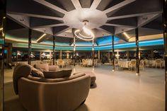 Urmează un eveniment important în viața ta ? Lasă-ne să te ajutăm să-ți îndeplinești visul !   Restaurantul TurQuoiSE  iți oferă o locație deosebită cu deschidere la malul mării unde te poți bucura de până la 450 de invitați pentru orice tip de eveniment privat (nuntă, cununie civilă în aer liber pe terasă cu piscină sau pe plajă, botez, logodnă, aniversare, majorat) sau corporate (seminarii, conferințe, ședințe, aniversări, petrecere crăciun, workshop-uri, team building-uri, evenimente… Venus, Marie, Chandelier, Restaurant, Ceiling Lights, Twins, Lounge, Turquoise, Home Decor