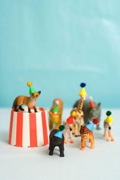 Confetti Sunshine: DIY Mini Animal Party Hats