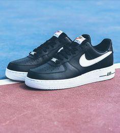 Nike Air Force 1 Low: Black/White