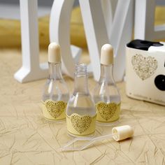 Bubbles Vintage Romance Ivory Gold Uk Wedding Favours Themes Table Decorations