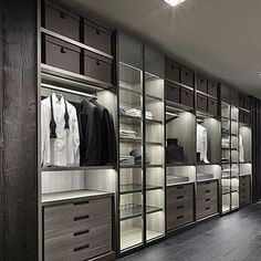 Tag someone you know who would love this wardrobe