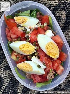 Sałatka z tuńczykiem i jajkiem na twardo