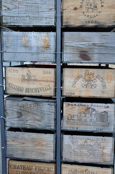 Vintage ~ Stained Wine Crates We love this idea. Wooden Crates, Wooden Boxes, Love Blue, Blue And White, Blue Brown, Photo Bleu, Vintage Wine, Vintage Room, Vintage Bags