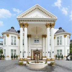 luxury Mediterranean home. Architecture Entrance luxury Mediterranean home. Classic House Design, Dream Home Design, Modern House Design, Luxury Mediterranean Homes, Mediterranean Architecture, Classical Architecture, Mediterranean Style, Tuscan Homes, Residential Architecture
