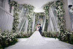 Hall of Mirrors: Jin and Su's Glamorous Wedding at the Grand Hyatt Kuala Lumpur Wedding Stage, Wedding Events, Wedding Ceremony, Dream Wedding, Weddings, Backdrop Decorations, Wedding Decorations, Backdrops, Floral Wedding