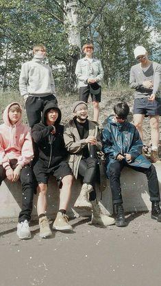 Jiwa kekeluargaan BTS Purple U Jiwa kekeluargaan B Bts Taehyung, Bts Bangtan Boy, Bts Jimin, K Pop, Bts Lockscreen, Foto Bts, Bts Memes, Oppa Gangnam Style, Bts Group Photos