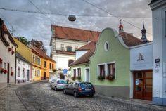 Vesela ulice a kostel sv.Michala