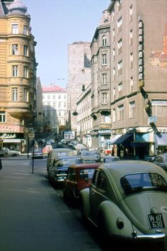 Fleischmarkt Volkswagen Beetles, Heart Of Europe, Vienna Austria, Porsche, Travel Destinations, Past, Old Things, Street View, Window