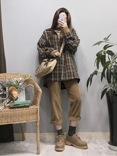 Korean fashion styles 192599321551463307 - ~ oldschool fashion house Source by raylynnnn Korean Fashion Trends, Korea Fashion, Asian Fashion, 90s Fashion, Look Fashion, Girl Fashion, Fashion Outfits, Womens Fashion, Fashion Spring