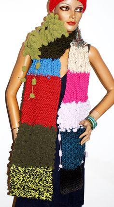 handgestrickter Schal mit Pemal Shawls, Bunt, Scarves, Colours, Jackets, Fashion, Ponchos, Tejidos, Scarf Crochet