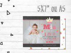 Carte d'invitation anniversaire personnalisée - FICHIER NUMÉRIQUE_fête fillette, rose, 1er anniversaire, princesse et fraises, chalkboard par MOMYboutique sur Etsy https://www.etsy.com/ca-fr/listing/279205074/carte-dinvitation-anniversaire