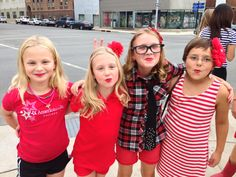 This is too cute! Getting ready for Taylor at her Red tour :)