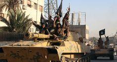 過激派組織「イスラム国」戦闘員、シリアに推計5万人 写真1枚 国際ニュース:AFPBB News  |  【8月20日 AFP】英国を拠点とする非政府組織(NGO)「シリア人権監視団(Syrian Observatory for Human Rights)」は19日、イスラム教スンニ派(Sunni)過激派組織「イスラム国(Islamic State、IS)」がシリア国内に5万人以上の戦闘員を抱え、7月だけで新たに6000人の勧誘に成功したと報告した。  同監視団ではシリアの現地の活動家や医師、弁護士らの報告を根拠に7月のISの新規加入者数はこれまでで最大だったとしている。監視団のラミ・アブドル・ラーマン(Rami Abdel Rahman)代表は「シリア国内のIS戦闘員の数は5万人を超え、うち2万人はシリア人ではない戦闘員だ。7月に新たに加わった戦闘員は6000人を超え、2013年にシリアにISが出現して以来最多だった」と述べている。