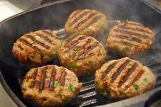 Turkey burgers that work for any phase! Grill these without oil for Phase 1 and Phase 2.