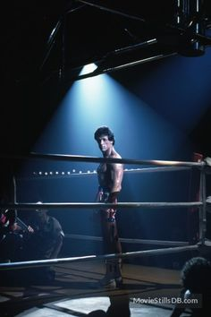 Rocky III - Behind the scenes photo of Sylvester Stallone Sylvester Stallone, Muscle Building Tips, Build Muscle, Rocky Film, Rocky 3, Rocky Balboa Poster, Stallone Rocky, Grudge Match, Carl Weathers