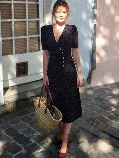 Avec sa dégaine forties et son imprimé moucheté, cette petite robe a tout bon !