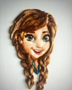 Elsa from Frozen icing cookie