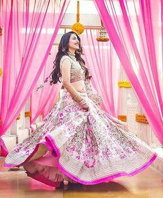 Your Monday morning #FloralLehenga inspiration. How pretty does Rhea look at her mehendi at Balsamand Lake Palace. For more lehenga inspiration visit 'LehengaLookBook' on www.facebook.com/weddingsutra Lehenga- @anushreereddyofficial Photo Courtesy- @shadesphotographyindia (Mumbai) #pinklehenga #pink #anushreereddylehenga #lehenga #lehengalookbook #bridaljewellery #lehengaideas #bride #indianbride #wedding #indianwedding #weddingsutra #bridallook #dday #bridalshoot #traditional…