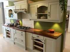 Ex-Display Georgian Hand Painted Kitchen with Iroko Worktops and Appliance